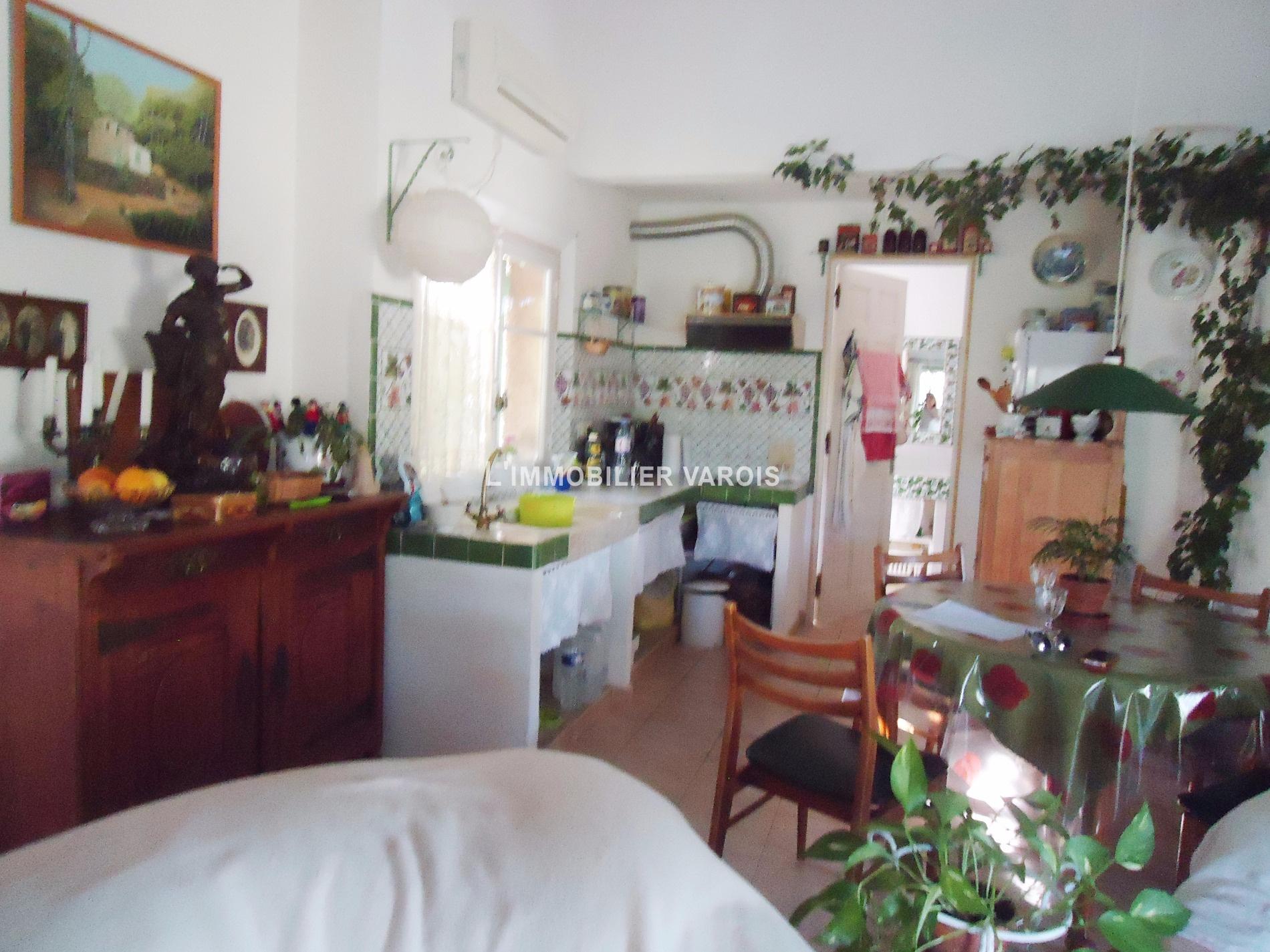 Vente collobrieres mas provencal for Avis salon de provence